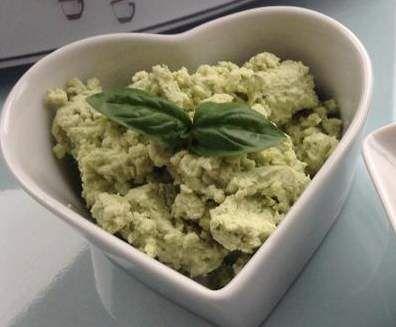 Rezept Basilikum-Parmesan-Aufstrich von Thermomixaela - Rezept der Kategorie Saucen/Dips/Brotaufstriche