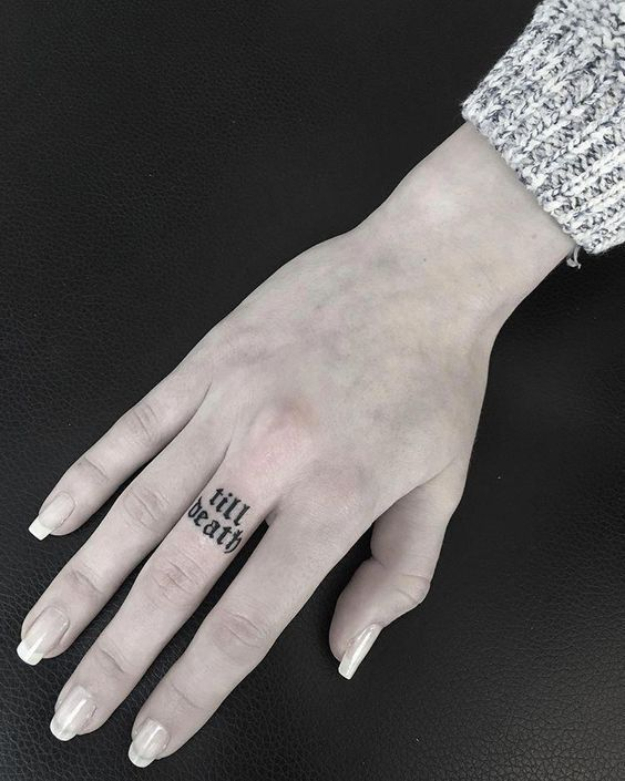 58 PERSONALIZED TATTOOS MAKE YOU ATTRACTIVE AT HOLIDAY PARTIES – Page 25 of 58