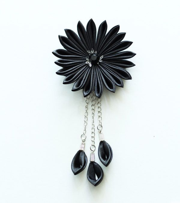 Black Kanzashi flower hair clip - Wedding hair accessories by MeanwhileCraft on Etsy