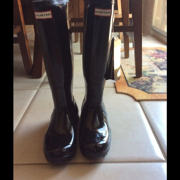 NWT HUNTER boots! HOSR PICK X 2 SALE Beautiful black Hunter Boots size 7-8. Tags. Can't go any lower.  Brand new w tags! Hunter Boots Shoes Winter & Rain Boots