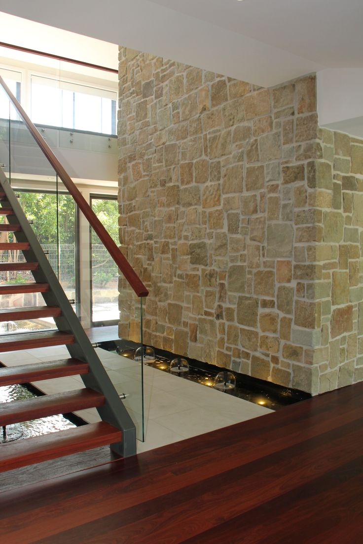 Eco outdoor clancy sandstone random ashlar walling used in for Outdoor feature wall ideas