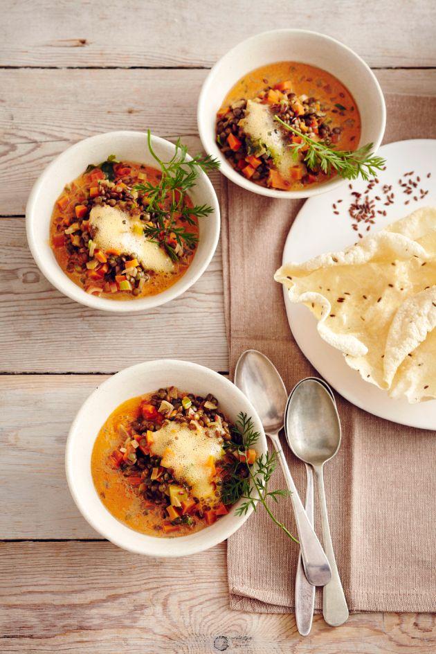 Curry mit Möhren-Limetten-Schaum Foto © Thorsten Suedfels für ARD Buffet Magazin http://www.swr.de/buffet/rezepte/-/id=14916862/property=download/nid=257024/mt83o6/index.pdf