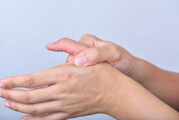 <p>Předkládáme vám pár tipů, jak ulevit průvodním znakům chřipky či nachlazení. Jde v podstatě o…