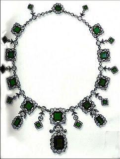 Königliche Juwelen: Smaragd-Diamant Halskette der Prinzessin Helene vo...