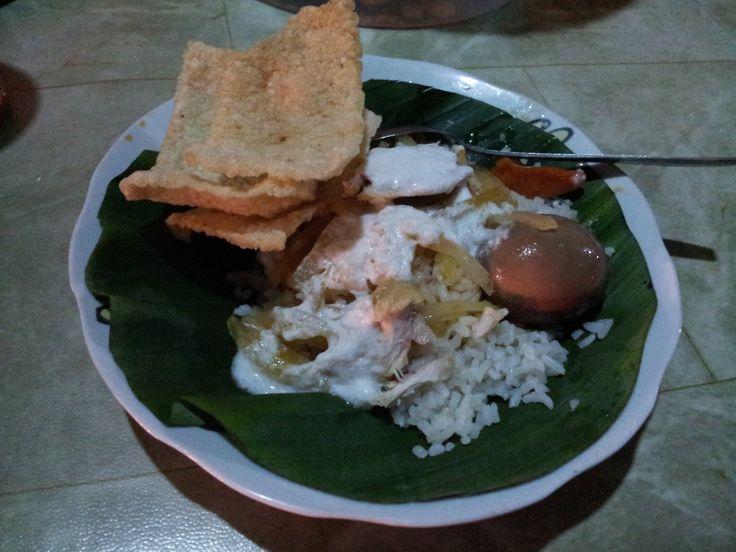 Menu : Nasi Liwet Bu Harno | Rasa : Gurih, tidak pedas | Lokasi : Karanganyar, Jawa Tengah