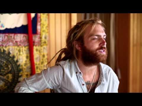 ▶ Trevor Hall | Unpack Your Memories | Unplugged + Acoustic - YouTube