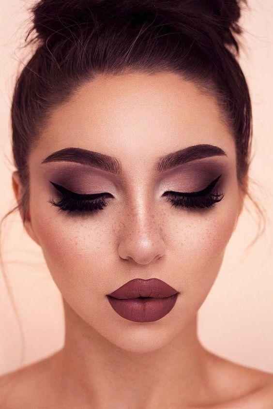 10 ideas de maquillaje de Año Nuevo para morenas