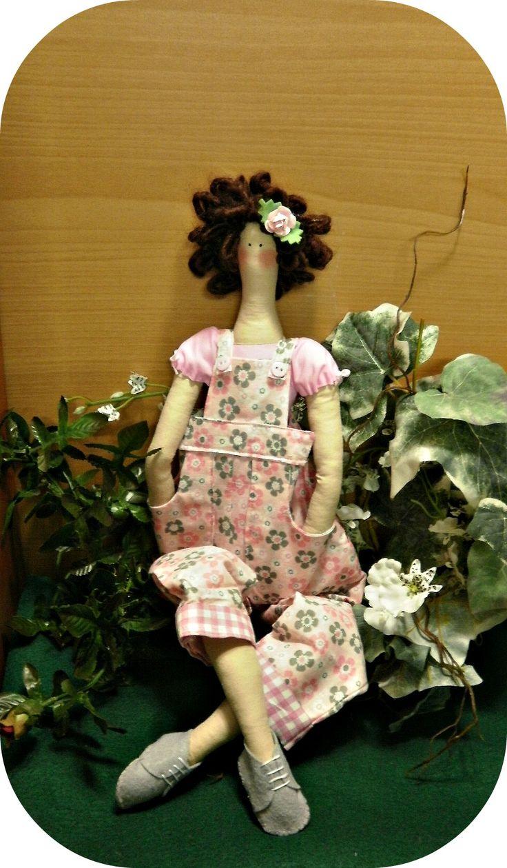 Design handmade dolls. https://www.etsy.com/shop/littlesbyBella http://www.ebay.com/usr/bybelladoll ♡