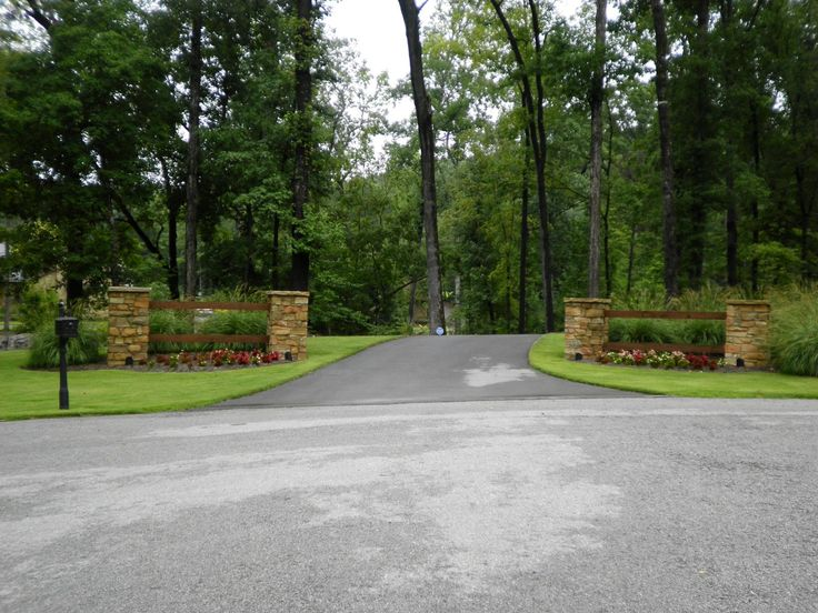 Nice Driveway Entrance Landscaping Amazing Ideas With Larson 80 93 Driveway Entrance Quality Creative Landscaping LLC