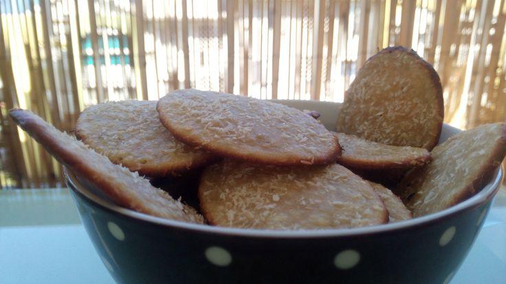 Biscuits allégés sans matière grâce    🍪mélangez une banane écrasée avec…