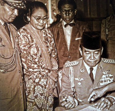"""""""... Even Hashim Ning should be exposed ashtray thrown Bung Karno,"""" You are one of Suharto """"So Bung Karno shouted."""""""