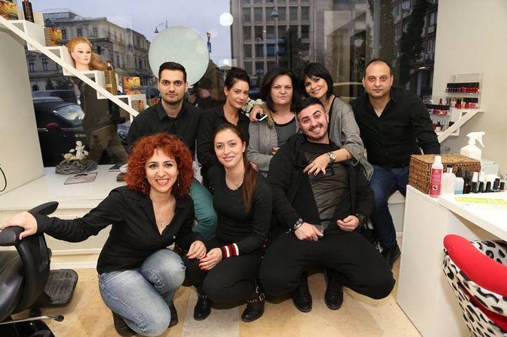 Echipa GaalHairPlay este mereu vesela, creativa si pusa pe treaba! Va invitam la salon sa ne cunoasteti! http://goo.gl/GHH1n3
