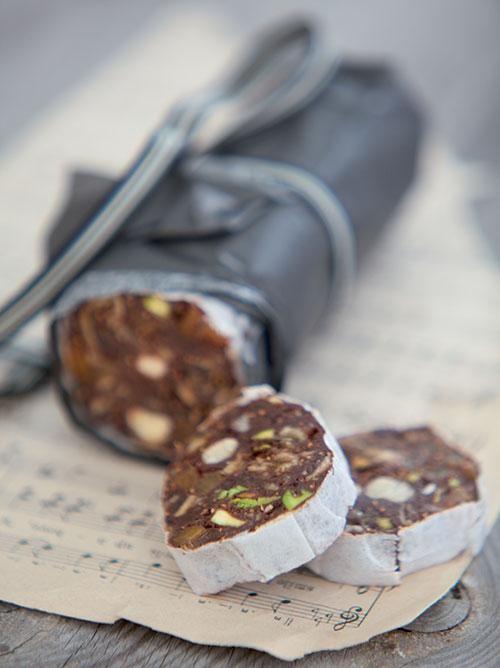 Chocolate salami with nuts   Sjokolade-en-neuterol