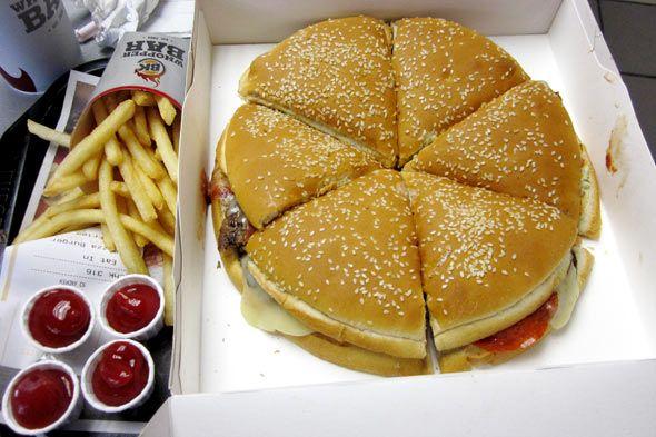 """cuál optar, Burger King presenta la """"Pizza-Hamburguesa"""" (Pizza Burger ..."""