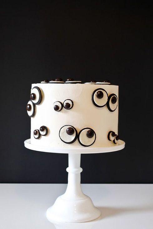 Как украсить торт на Хэллоуин своими руками?