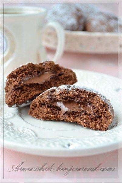 Фото к рецепту: Печенье с НУТЕЛЛОЙ