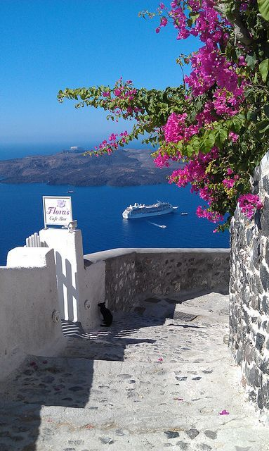Greece Travel Inspiration - Passageway on Santorini, Greece