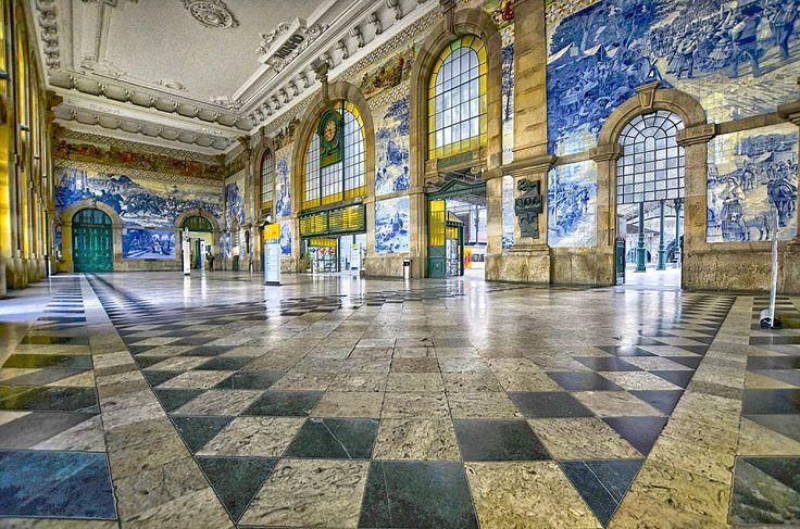 Sao Bento Train Station, Porto, Portugal