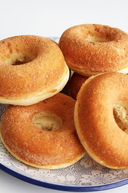 2 c cake flour 3/4 c sugar 2 tsp baking soda 1 tsp salt 1/4 tsp nutmeg 1/4 tsp cinnamon 3/4 c buttermilk 2 eggs 2 tbsp butter 1/2 tsp vanilla Mix, add batter to doughnut pan and bake at 350 degrees for 7-8 minutes.