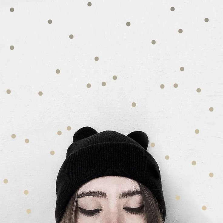 You can't have a bad day with polka dots. #seekthesimplicity   Btw apparently there's a black heart emoji in the next update! I wont need to break my aesthetic ever again! Hyped!