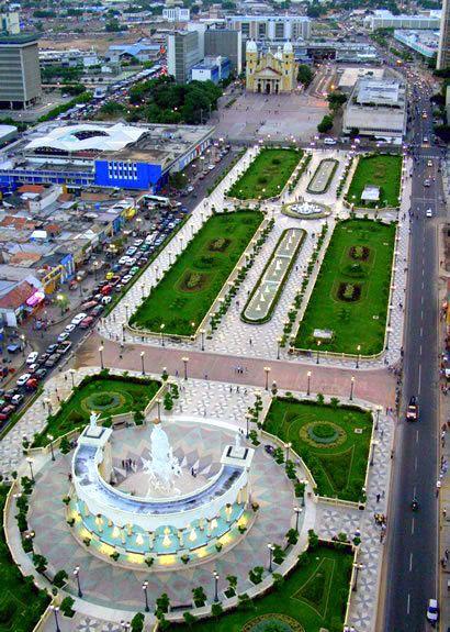 Vista aerea del Paseo de Las Ciencias. Maracaibo.