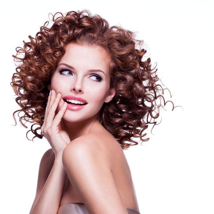 Spana in vår frisyrbild i kategorin Lockiga tjejfrisyrer idag! Bli inspirerad till ditt näst frisyr!