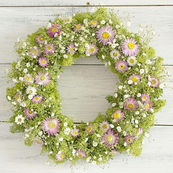 Spring natur wreath,  moss, flowers