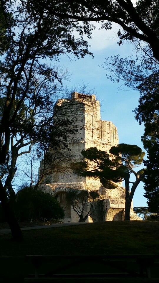 Tour Magne . Nîmes