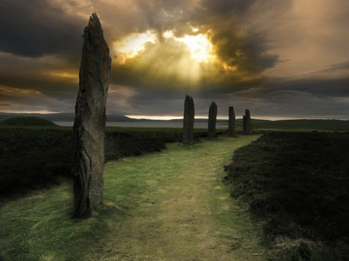 Orkney Islands in Scotland. Amazing landscapes. Ring of Brogdar, Orkney Isles, Scotland. So cool!  I would love to see this place!  Courtesy of Heidi Kling - bestselling author of WITCH'S BREW & Coliloquy Publishers.