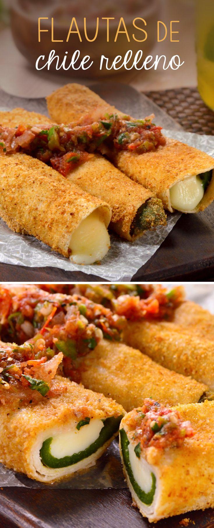 ¿Buscas una receta original? Estas flautas de chile poblano son tu mejor opción. Las empanizamos y rellenamos con queso gratinado, y las acompañamos de una salsa tatemada.