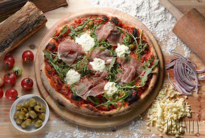 Recept na pizzu z kysnutého cesta, ktorú si zamilujete