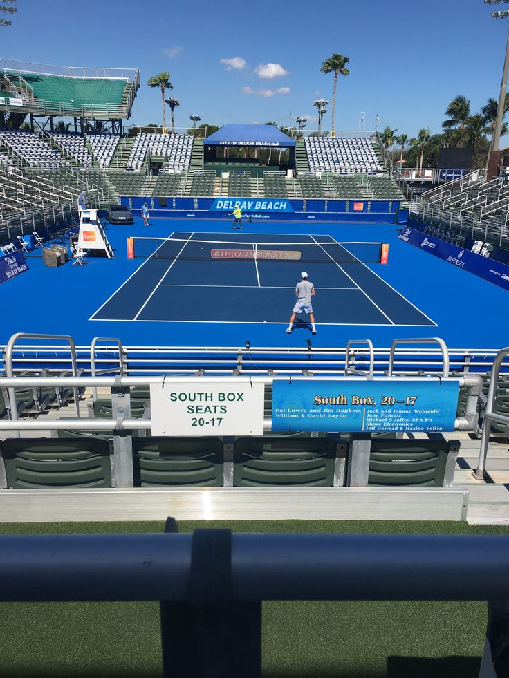 Great day for a practice session for @mutao521 with @johankriek by his side and @matt_ebden on the other side of the court. The practice took place yesterday at the Delray Beach tournament site. Good luck to Matt! #MuTao #johankriek #MattEbden #DelrayBeach #ATP #tennis #JKTA
