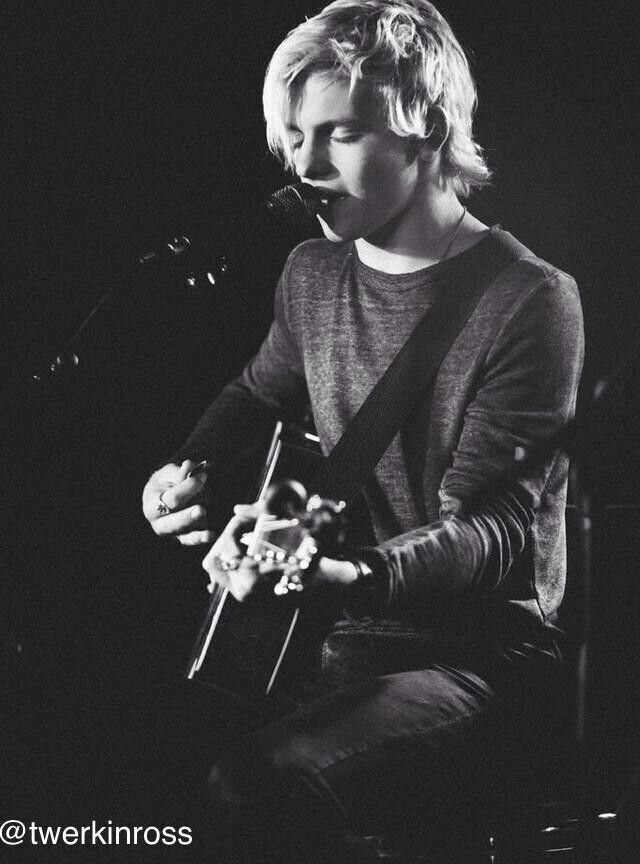 Ross Lynch is so cute! He is so handsome, creative, caring, and inspirational!