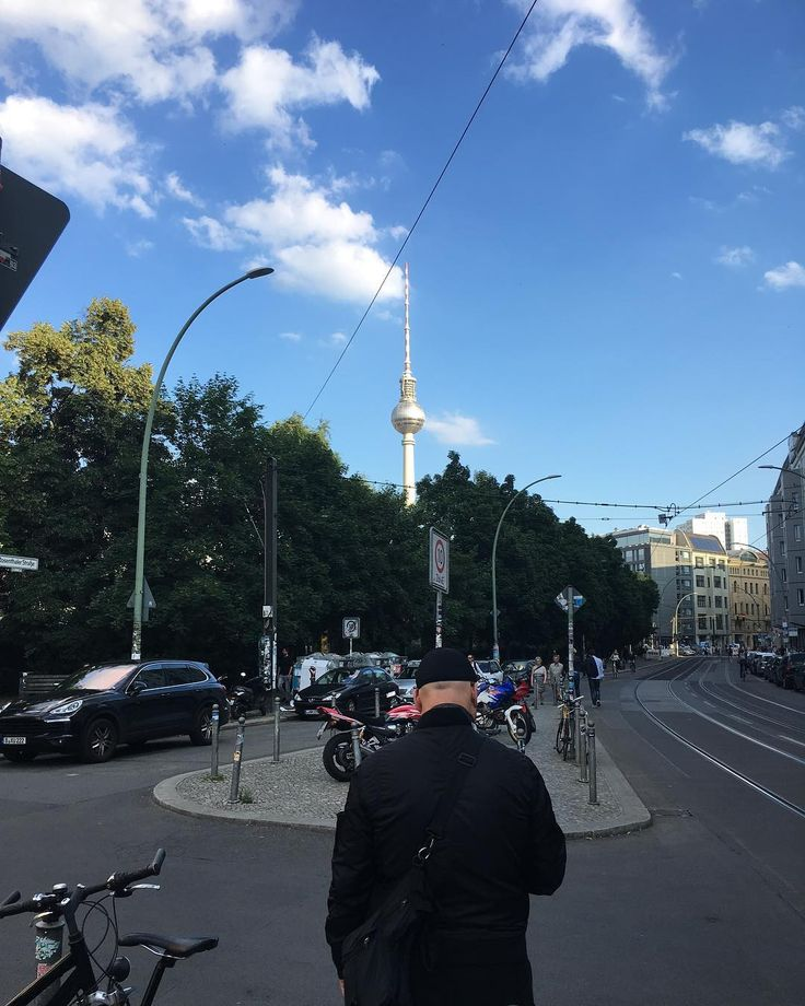 We've been in Berlin...      #seekberlin #premium #brightshow #bright #bradwurst #schnitzel #international #travel #tradeshow #newbrands #lefix #patta #giogoi #berlin #germany     #superiorqualitygarments #viewpoint #style #summervibes #coffeetime #menswear #unisex #fashion #mensfashion #menswear #onlineboutique #thenorthernfellsclothingcompany #tomboystyle #tnfcc_showroom #thenorthernfellsclothingco