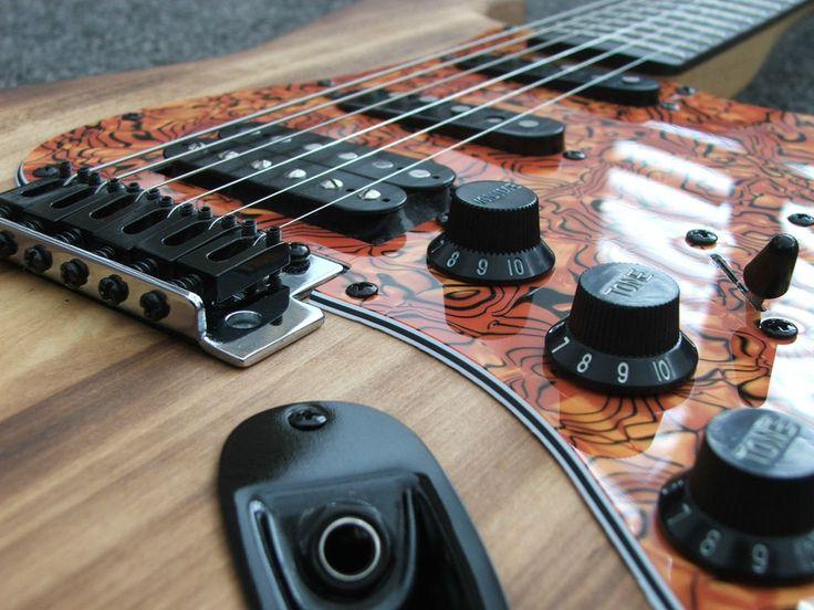 Fender Squier SE Custom Stratocaster  Fat Strat  Electric Guitar