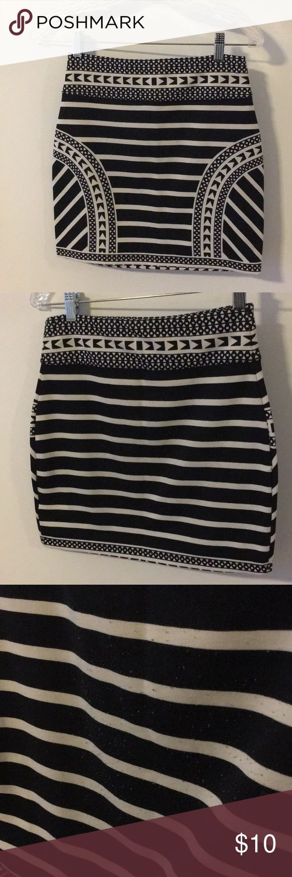Patterned going out skirt Tight mini skirt, with thick waist band. A bit of pilling in the back but otherwise good condition. Soft and great for going out! Urban Outfitters Skirts Mini