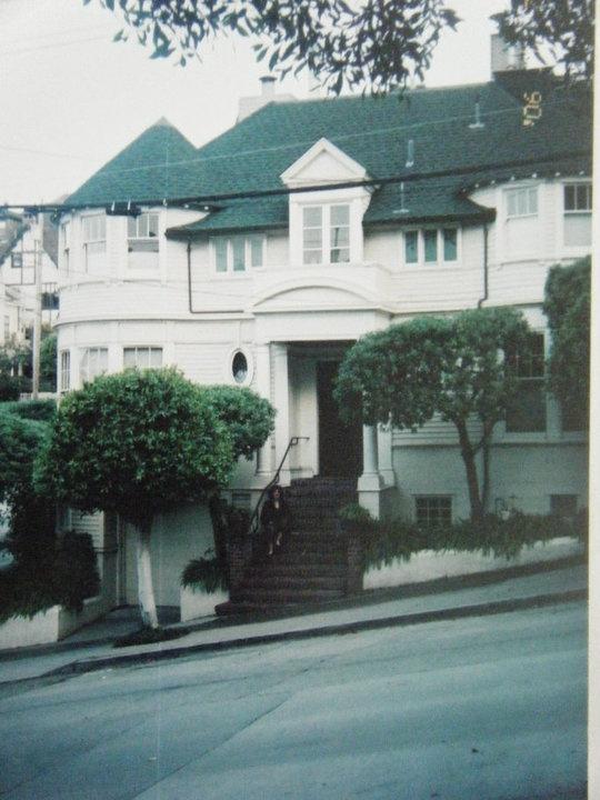 the mrs doubtfire house steiner street san fran ca. Black Bedroom Furniture Sets. Home Design Ideas