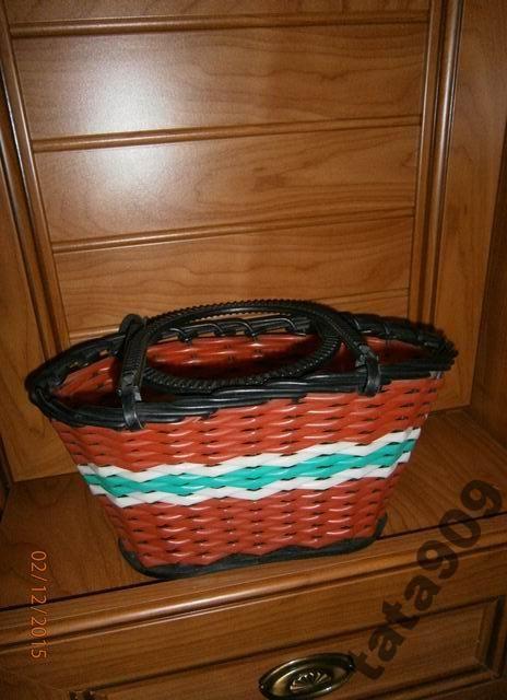 Красно-чёрная корзина с полосой.  Советские игрушки - http://samoe-vazhnoe.blogspot.ru/ #игрушки_корзинки