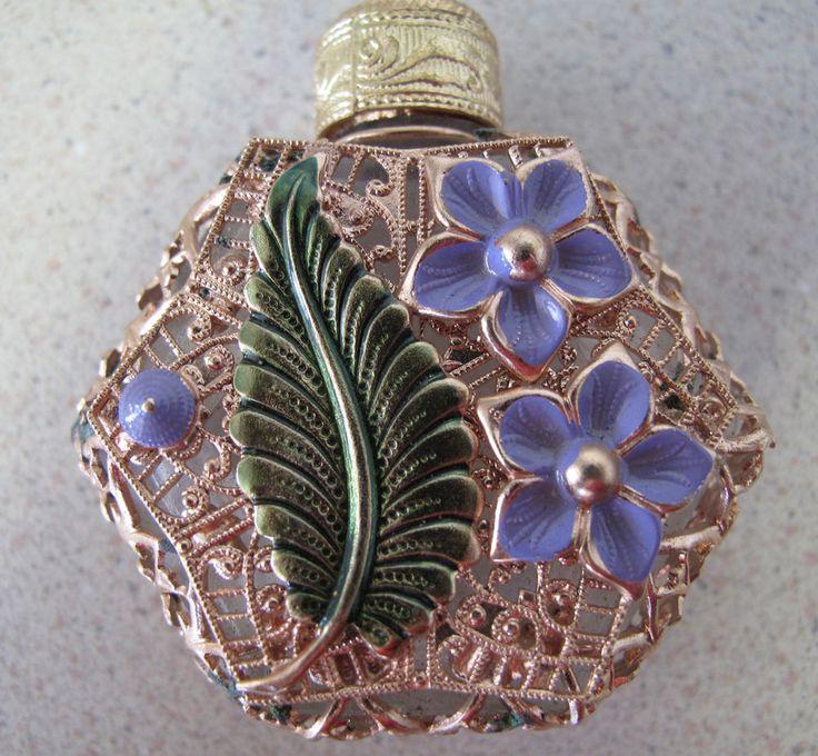 Ruso Checoslovaquia Botella De Perfume De Vidrio Verde Hoja Pale Lilac Flor духи | Antiguos, Artes decorativas, Vidrio | eBay!
