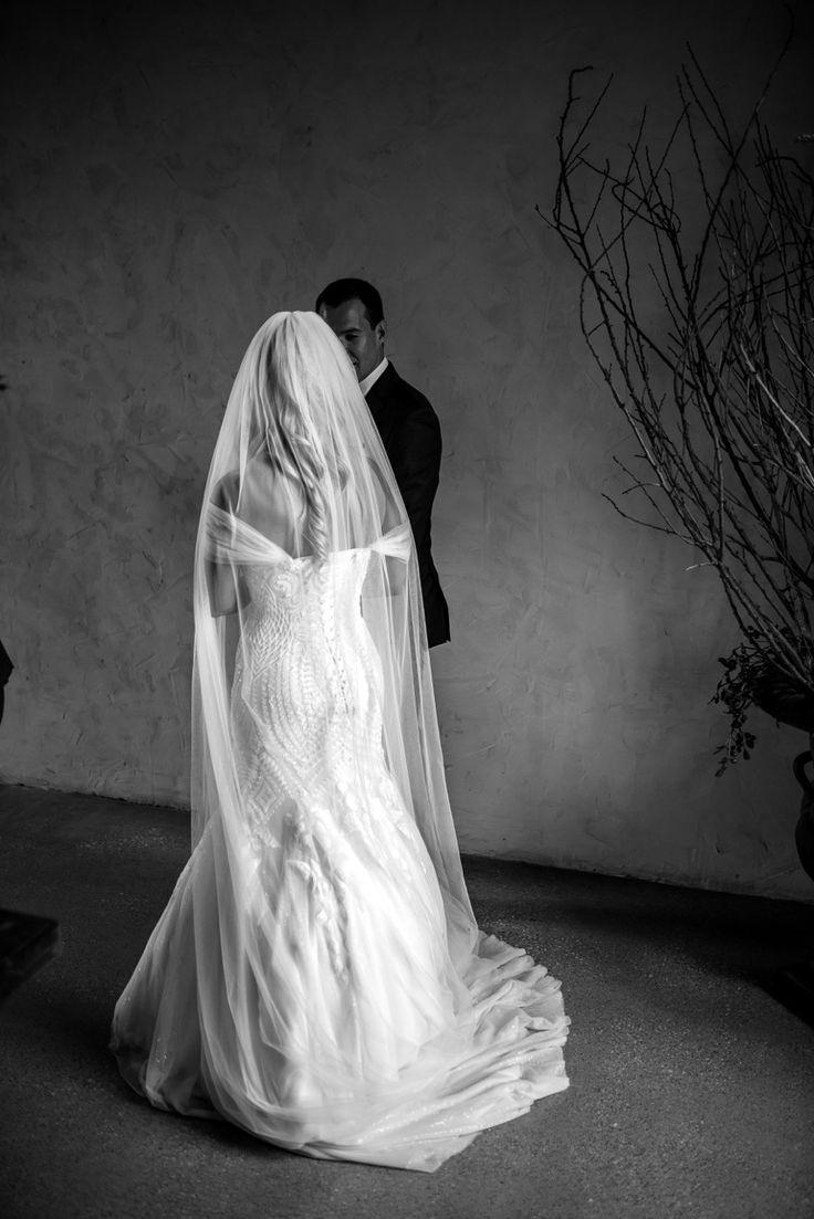 Bide white wedding gown dress weddings fashion lace bridal photography photo photographer