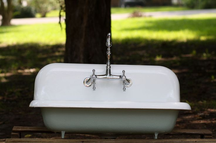 ... 30 Wide High Back Cast Iron Farmhouse Sink Refinished White/Blue