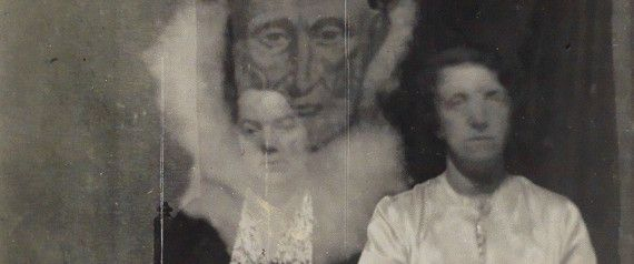 This Is What Ghost Photography Looked Like In The Early 20th Century
