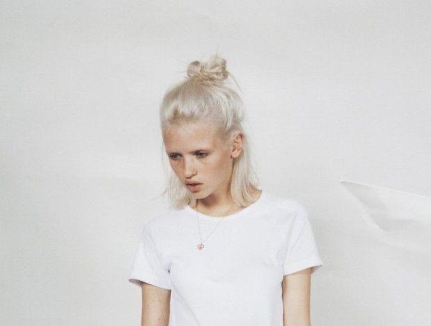 Hair Trends: The Half-Bun | glasshouse salon, organic colour systems, hair trends, hair musing, grunge, bun, half bun, how to's | Glasshouse Journal