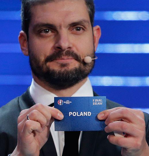 Znów wpadliśmy na Niemcy! Rozlosowano grupy Euro 2016. http://sport.tvn24.pl/pilka-nozna,105/niemcy-irlandia-pln-i-ukraina-rywalami-polski-na-euro-2016,602451.html