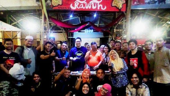Ini Yang Namanya Cangkruk 'kerakyatan' Polisi dan Netizen Surabaya