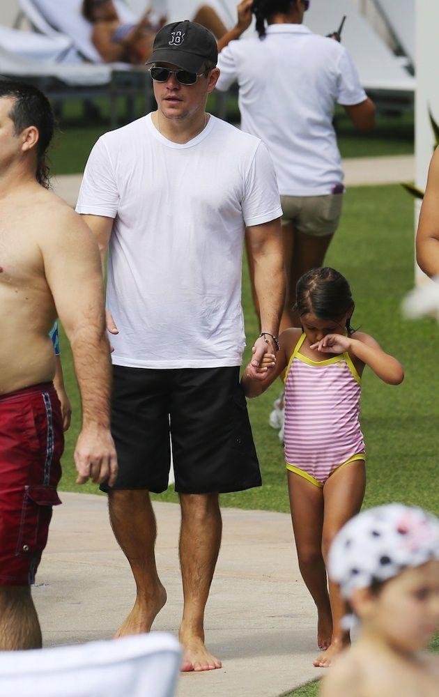 Matt Damon with her daughter. ♥ See more celebrity trivia at www.celebritysize... ♥ #celebritysizes