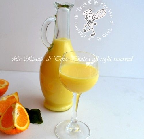 Liquore crema di arance 6 oranges untreated (large)  600 ml of whole milk, long-life  400 ml of whipping cream to long conservation  500 grams of sugar  500 ml of pure alcohol at 90 ° Dry with a cotton cloth oranges, cut the peel with a vegetable peeler trying not also remove the bitter white part  Place the peels of oranges in a container and cover tightly closed with alcohol  Let stand for 4 days in a cool morning and evening by shaking the container  After the 4 days you place in a…