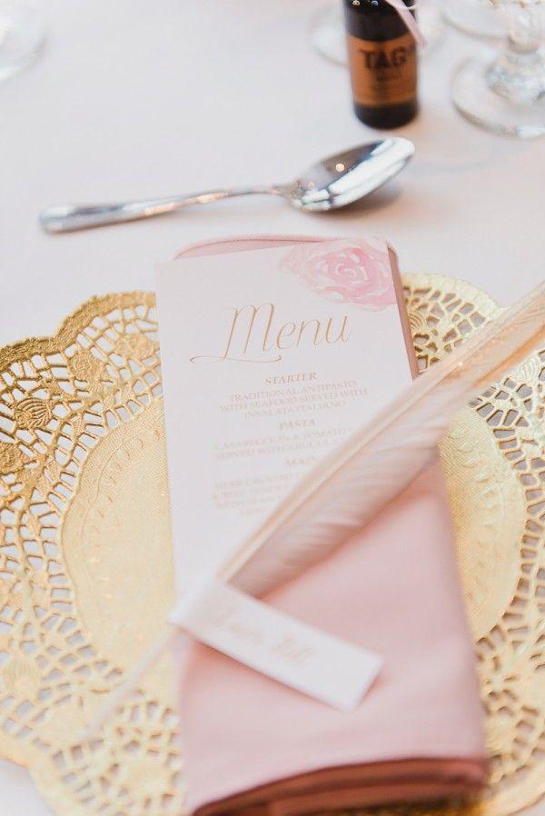 decoração casamento rosa dourada e branca