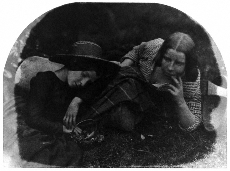 Mary McCandlish; Margaret Arkley (née McCandlish)  by David Octavius Hill, and Robert Adamson  calotype, 1843-1848  http://www.npg.org.uk/collections/search/portrait/mw00177/Mary-McCandlish-Margaret-Arkley-ne-McCandlish?LinkID=mp11619=art=5