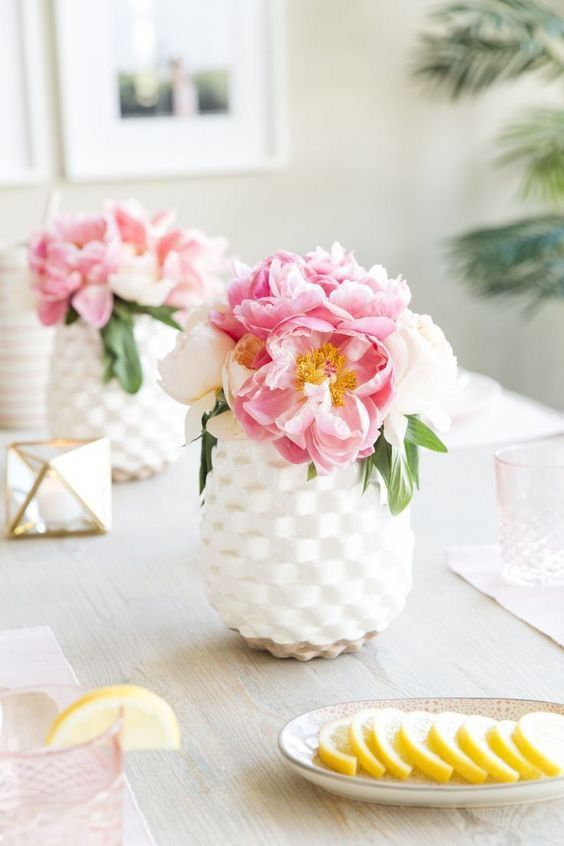 Dining Room Decorating Ideas for Spring Check this out http://elenaarsenoglou.com/dining-room-decorating-ideas-for-spring/ #spring #decoration #diningroom #flowers #myblogmylife #elenaarsenoglou #beyonddecoration #fengshui